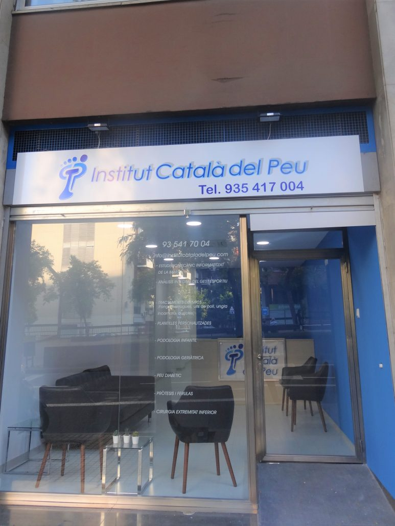THE INSTITUT CATALÀ DEL PEU OPENS A NEW CENTER IN LES CORTS NEIGHBORHOOD.