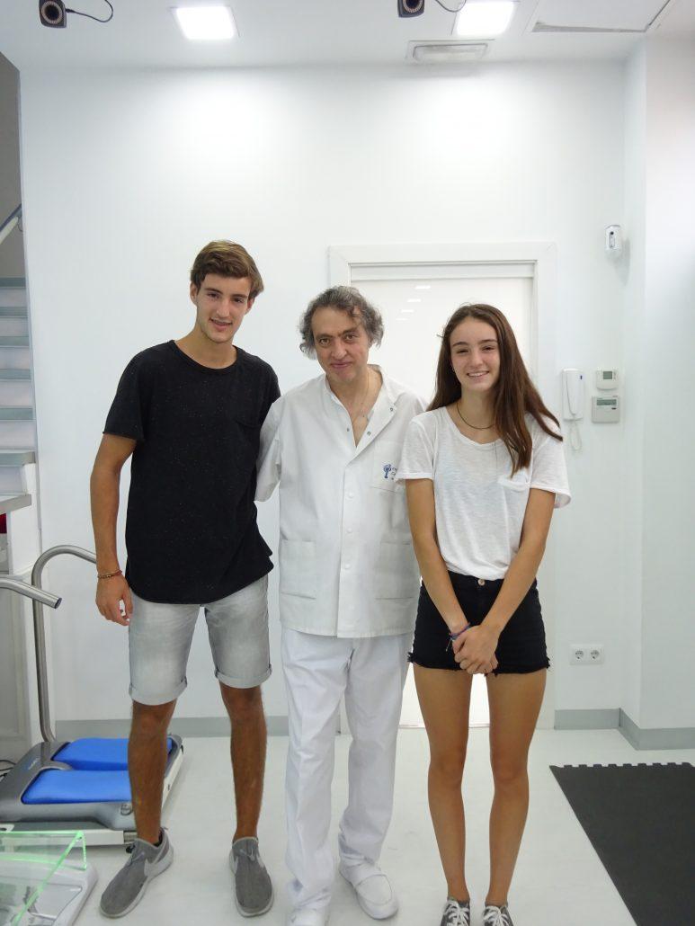 Carlos y Eva Seriñana, las jóvenes promesas del remo olímpico, visitan el Institut Català del Peu