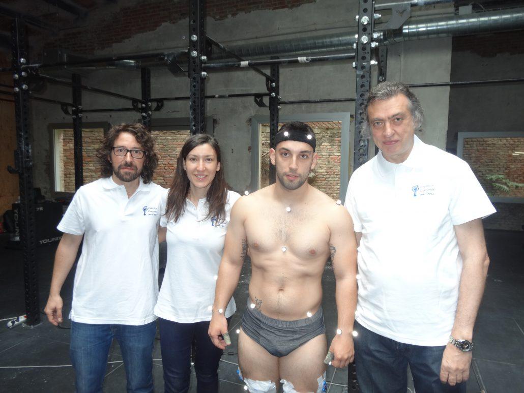 L'Institut Català del Peu realitza a Yosua Fernández, campió de Catalunya d'halterofília, un anàlisi del rendiment esportiu.