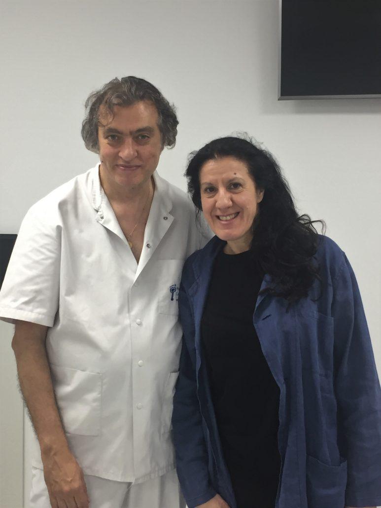 L'artista Maria Pagès visita l'Institut Català del Peu.