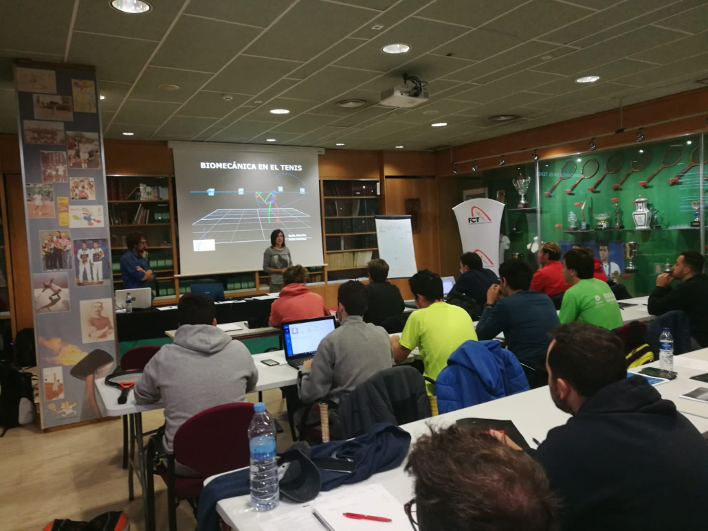 THE INSTITUT CATALÀ DEL PEU TAKES PART IN THE COURSE OF LEVEL II TENNIS NATIONAL TRAINER WHICH ORGANIZES THE CATALAN TENNIS FEDERATION.