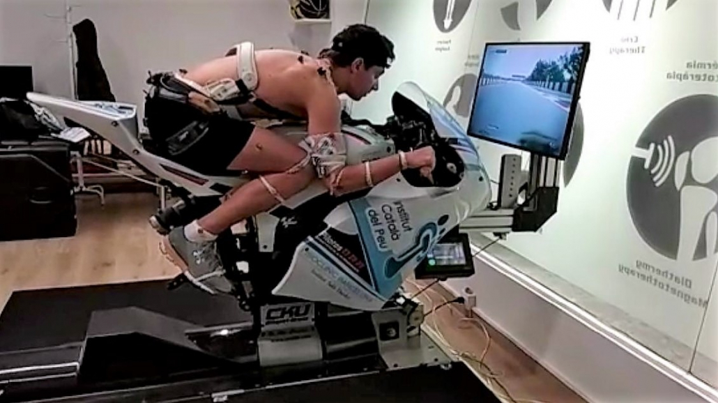 THE INSTITUT CATALÀ DEL PEU CONDUCTS A BIOMECHANICAL ANALYSIS TO THE MOTORCYCLING RIDER XAVI CARDELÚS.