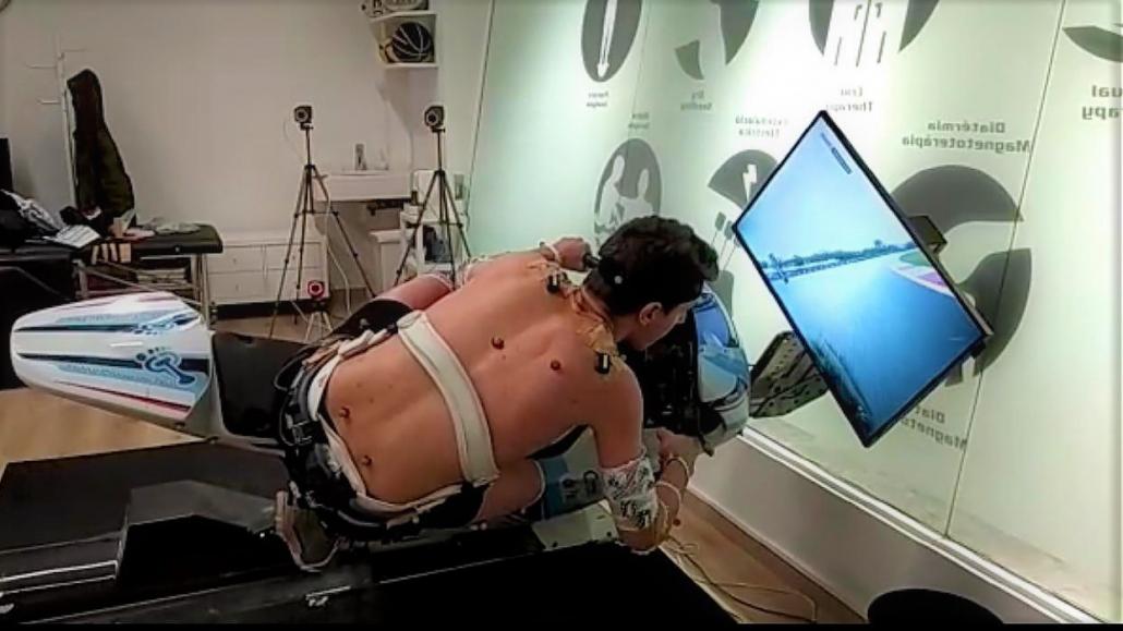 El Institut Català del Peu realiza un análisis biomecánico al piloto Xavi Cardelús